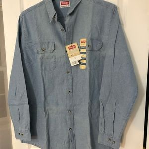 Wrangler button down shirt- Men's Large